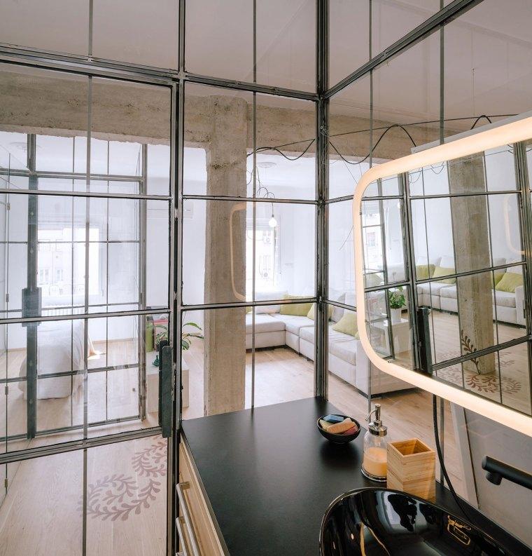 马德里:镜面,玻璃,重塑小空间的光彩_7