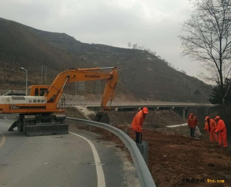 甘肃:天水市开展高速公路路域环境综合治理工作