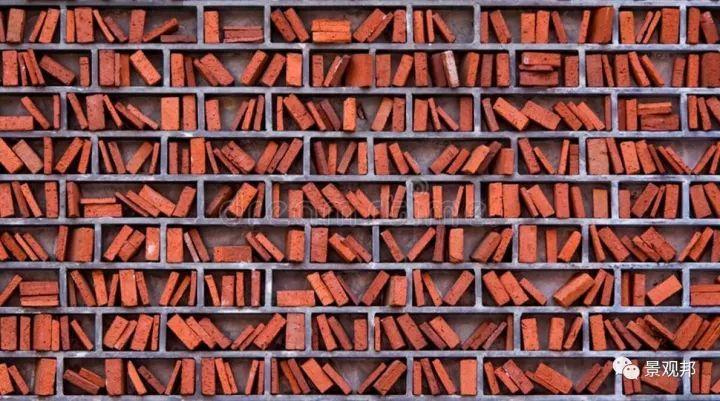 土掉渣的红砖耍起个性来,其他材料都得靠边站_30