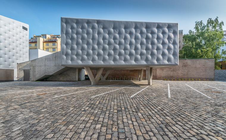 007-centre-for-contemporary-art-dox-by-petr-hajek-architekti