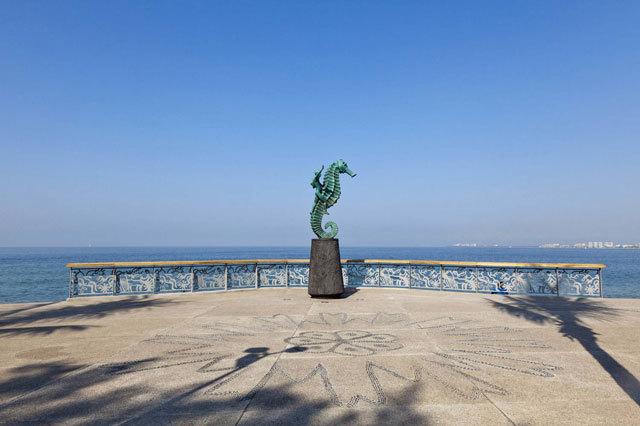 墨西哥巴亚尔塔港海滨景观设计_8