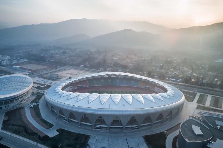 临夏奥体中心体育场 / 杜兹设计