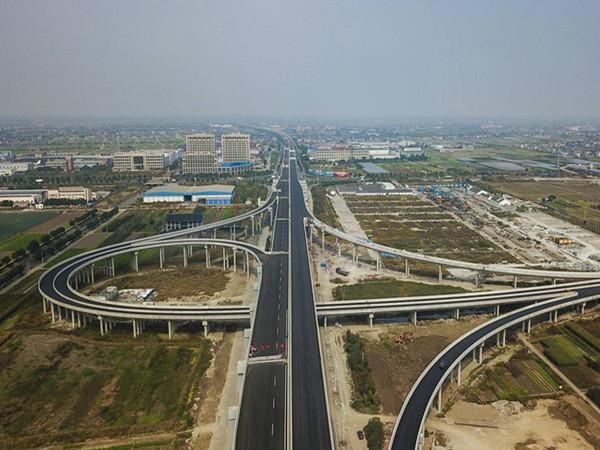 临近既有线桥梁施工方案(共53页)