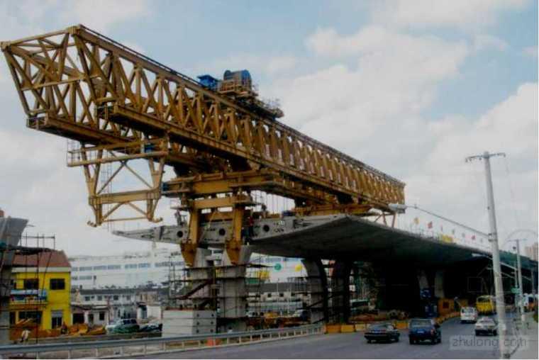 市政联合架桥机安全使用技术规程(28页)