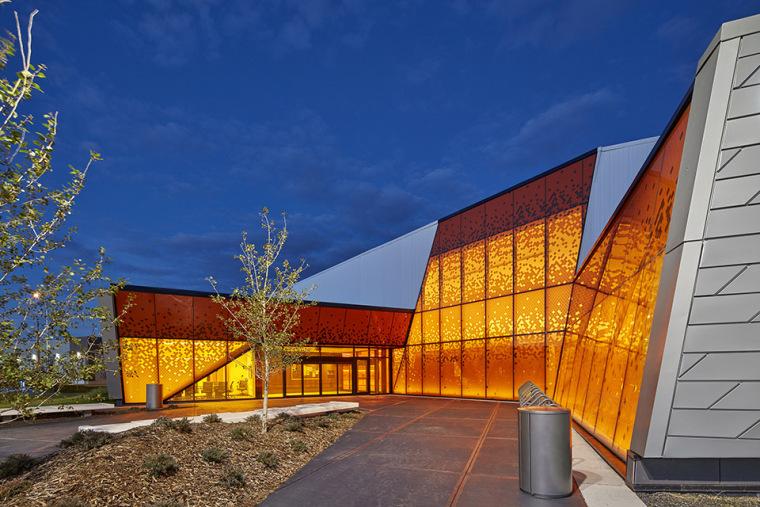 加拿大Calgary大型体育娱乐中心-1