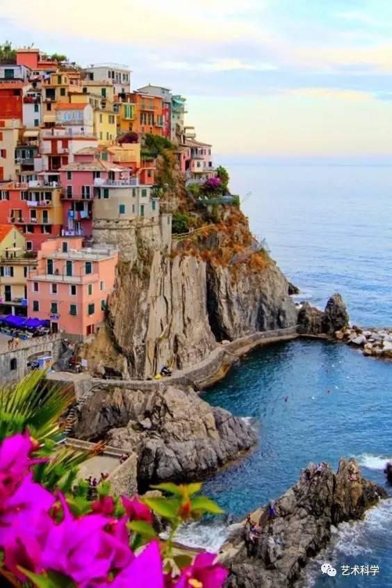 世界上最美的小镇,每走一步都是风景_8