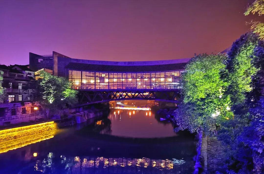 亚洲首座双层叠合梁式美术馆桥正式落成_1