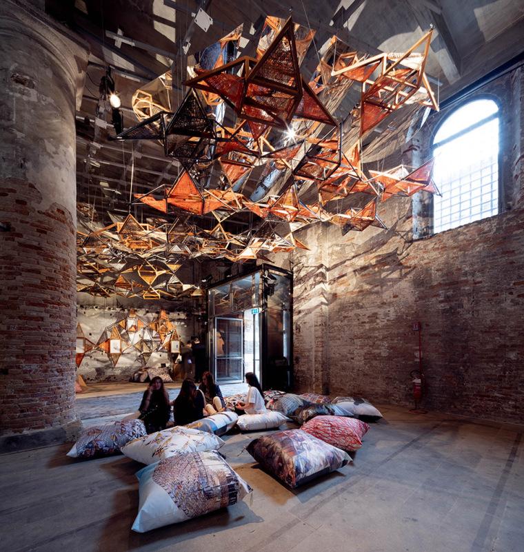 意大利建筑元素的编织艺术实景图