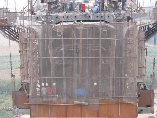 [浙江]铁路桥梁菱形挂篮对称浇筑双向预应力40+64+40m连续梁专项施工方案93页