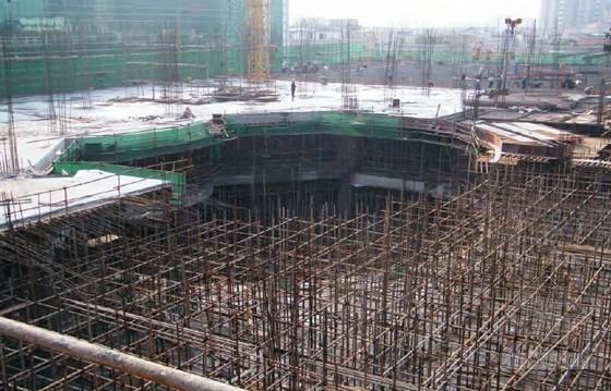 超高层钢混凝土结构施工受荷实测及安全控制
