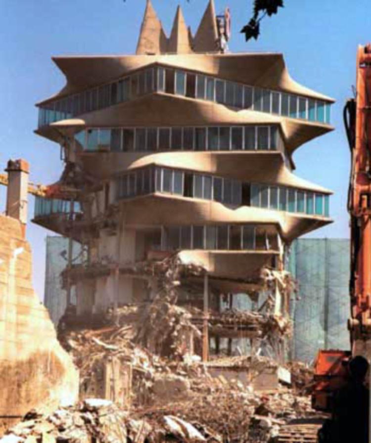 经典建筑:霍尔瓦实验大楼宝塔_6