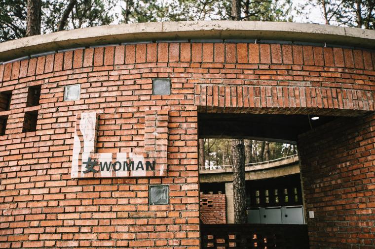 湖北澴河环厕建筑-9