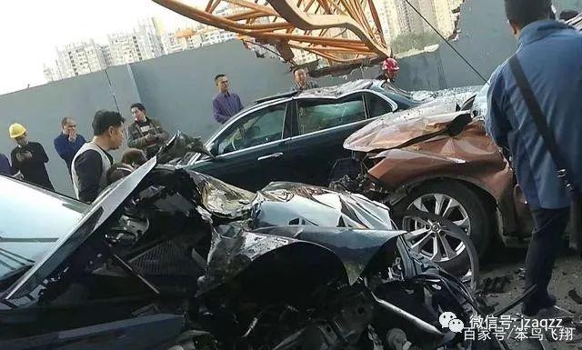 10月10日成都温江一施工塔吊倒塌,致9人受伤!心如刀割!_4
