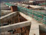 混凝土泵管是否可以从支撑梁上布设浇筑砼