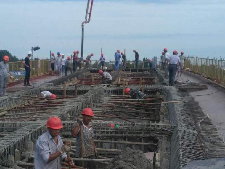 大桥工程现浇箱梁模板与支架专项施工方案(word,32页)