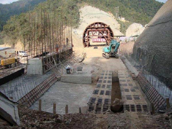 隧道明洞施工技术方案