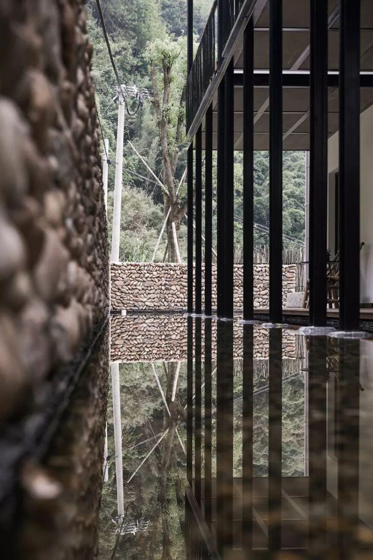 水泥厂改造成民宿,自然简约的设计就是这么美_7