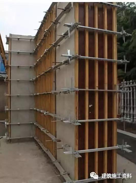 建筑知识:墙体垂直度偏差_2