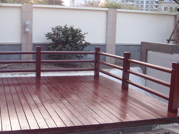 供应封开PE塑木地板安装 德庆园林室外地板价格