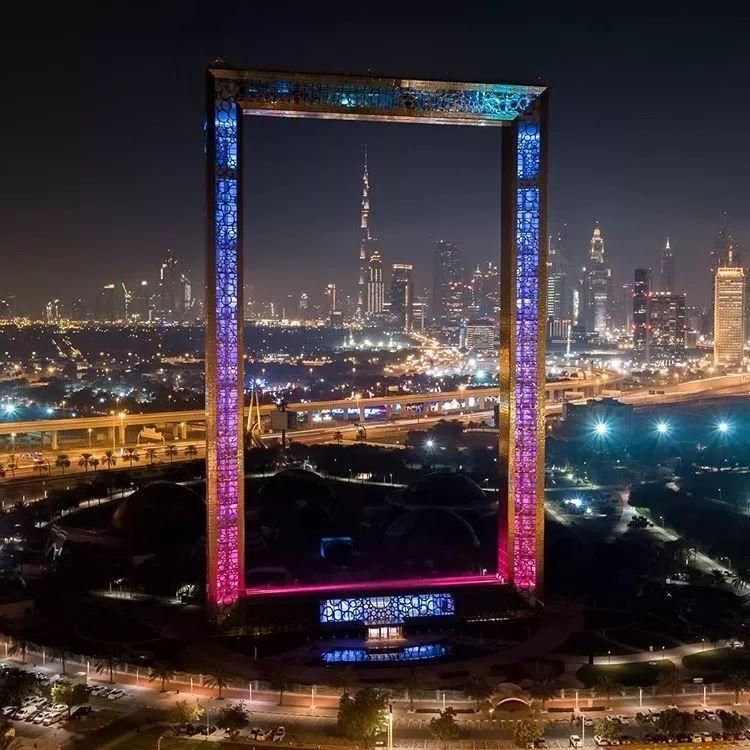 2018年迪拜用3个亿造了个冲破天际的相框_8