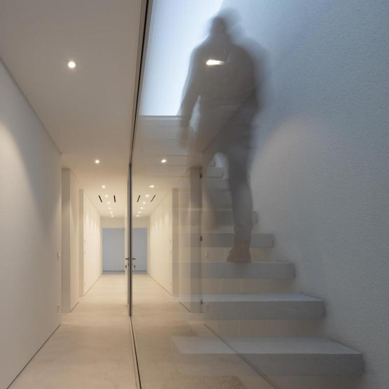 葡萄牙雕塑艺术般写意的住宅-1551071454905593