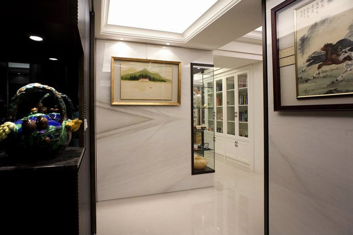198平混搭新古典客厅装修效果图