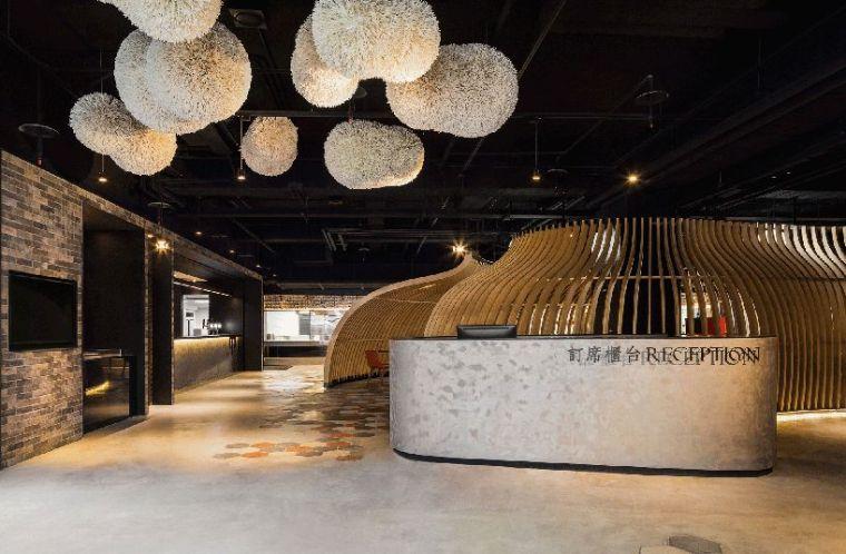 复古风的餐厅设计,蚁窝的隔板成了餐厅一景