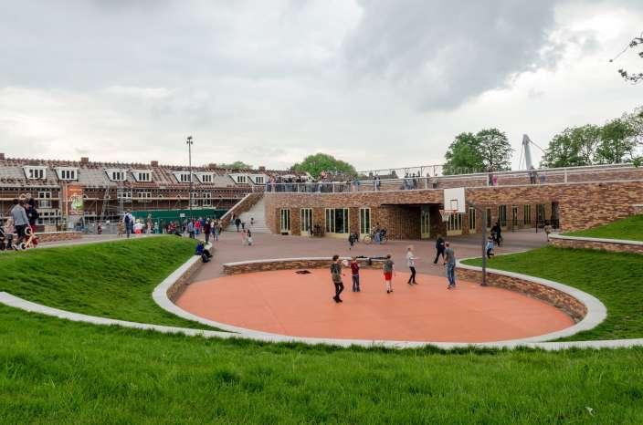 独特的校园屋顶户型自行车道