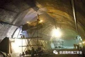 隧道施工中的防尘措施