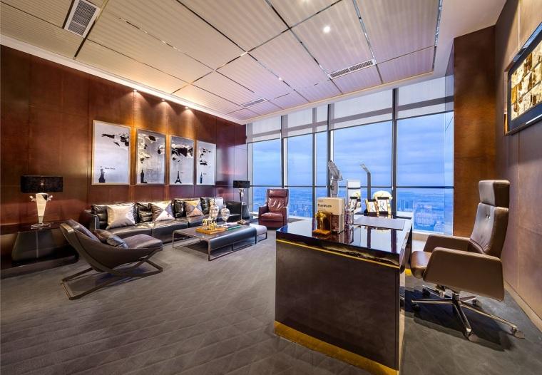 昆明万达西山双塔顶层国际金融办公室