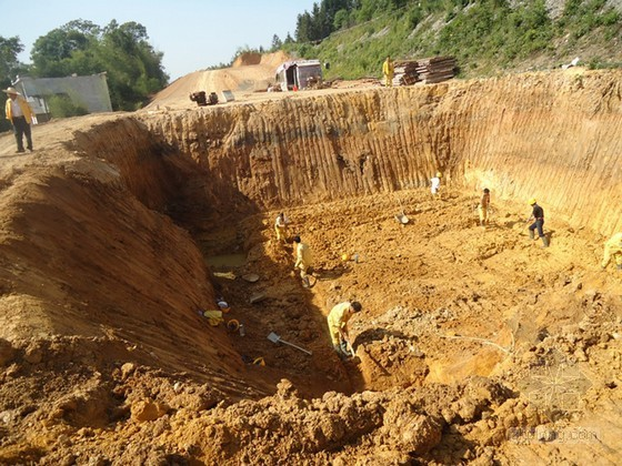 [云南]高速铁路深基坑开挖施工专项方案(中铁)