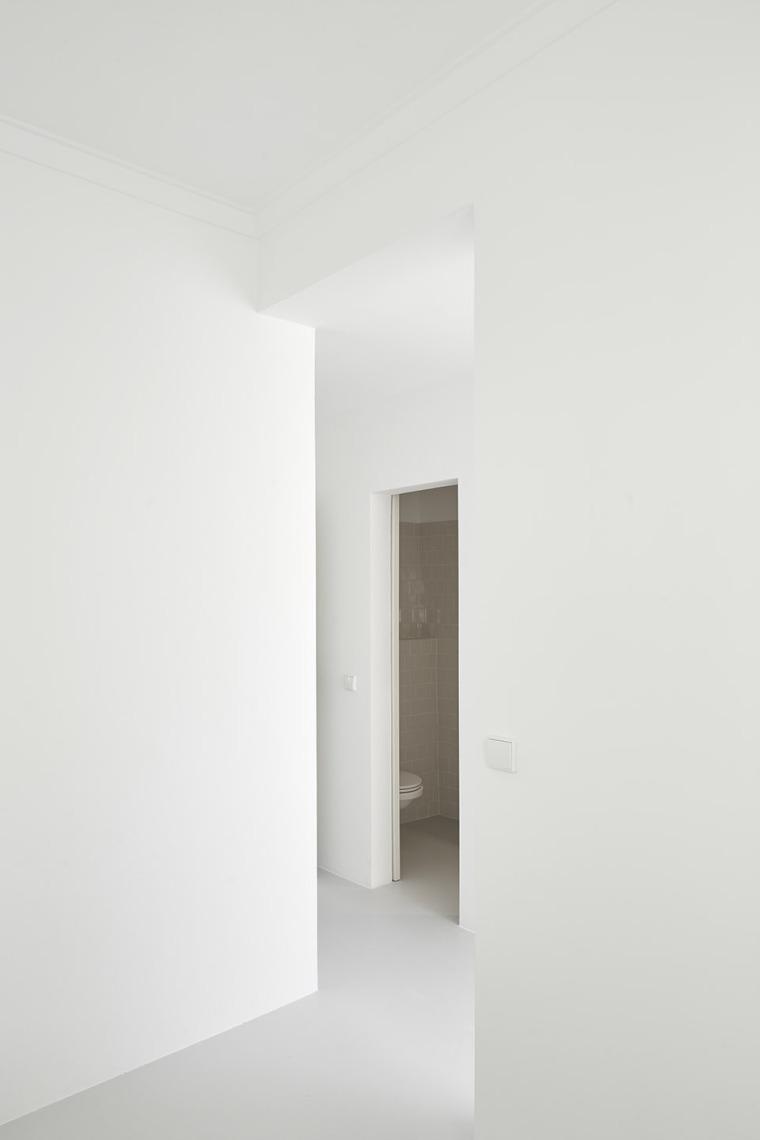 葡萄牙Beato极简公寓改造-012-Beato-Apartment-Renovation-by-Arriba