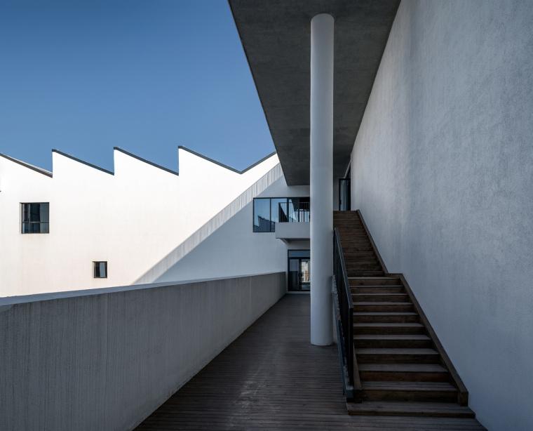 安徽大学艺术与传媒学院美术楼-6