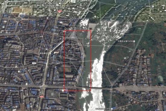 湖南一防洪堤6年5次垮塌 部分石料手捏成渣