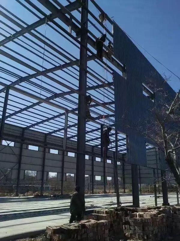 浅析钢结构厂房施工中的安全问题及其对策