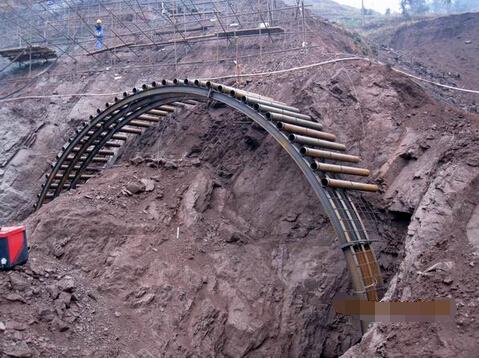隧道超前大管棚施工时套拱、管棚施工注意要点