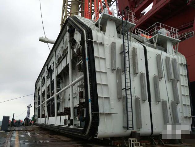 港珠澳大桥拱北隧道管节接头6000吨!