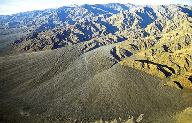 土木工程地质学讲义之三土的工程地质性质(90页)