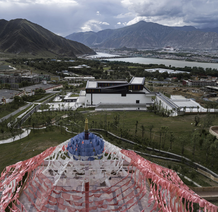003-tibet-intangible-cultural-heritage-museum-by-shenzhen-huahui-design-co-ltd