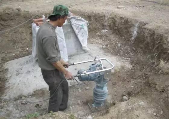 土方回填的施工方法及处理措施