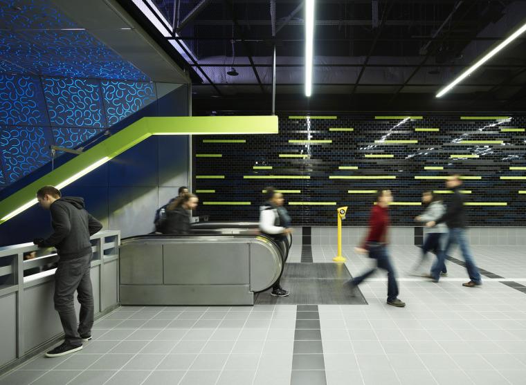 美国华盛顿大学轻轨站-16