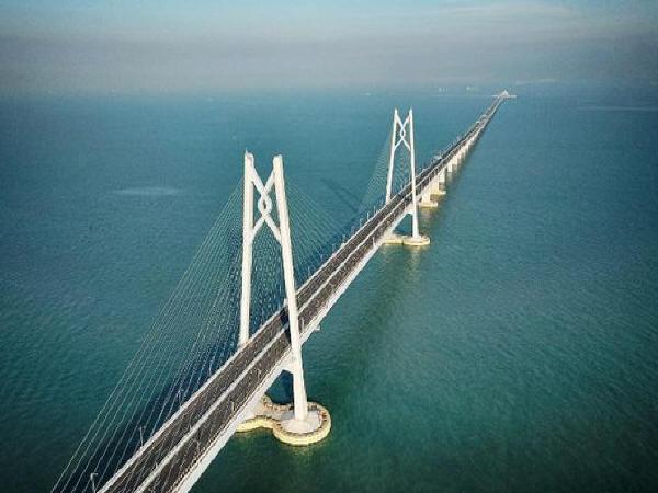 港珠澳大桥今正式开通 盘点超级工程中的国企力量