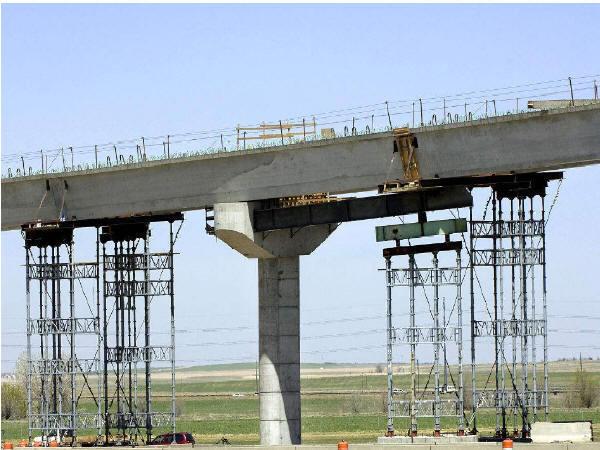 南昌大桥桥梁顶推施工工艺