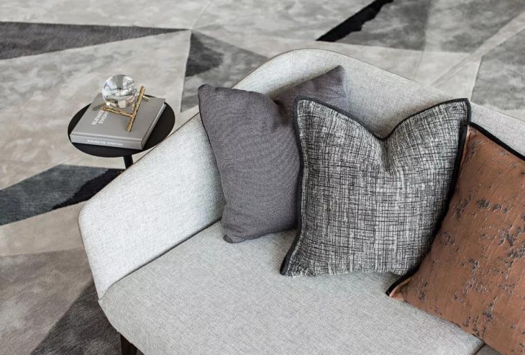 精致材料和简洁配饰,打造出低调素雅的空间_18