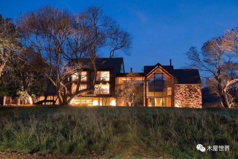 乱石墙木结构,美不胜收的森林温泉酒店