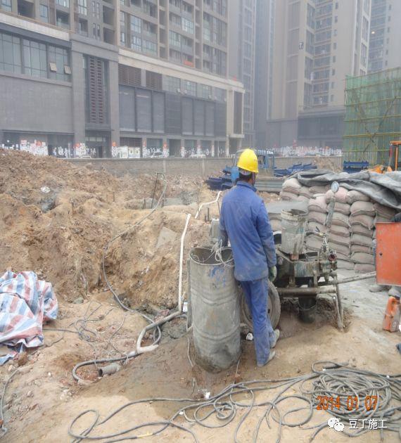 打桩时遇到坍孔、导管堵管、钢筋笼上浮,如何处理?_35