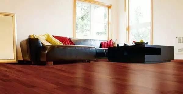 强化地板品牌与价格之间的关系