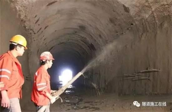 隧道二次衬砌裂缝的分析与防治_3