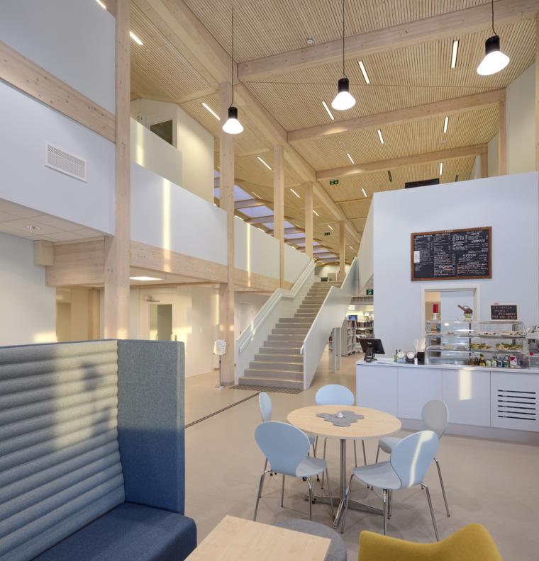 挪威格里姆斯塔德图书馆-10