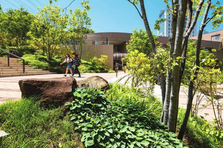 创价大学里环球广场景观